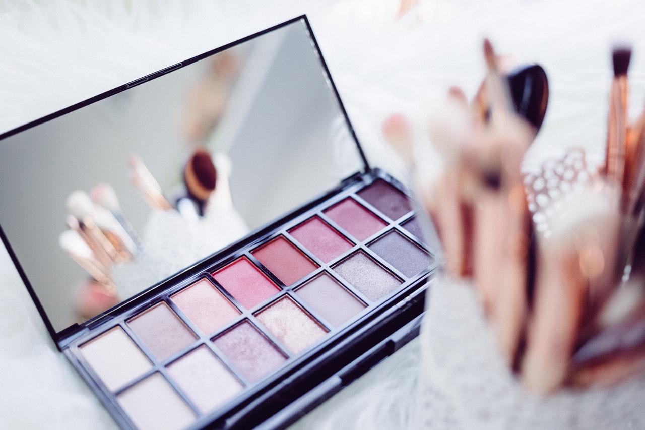 「化粧品」でNGまたはOKとなる広告表現